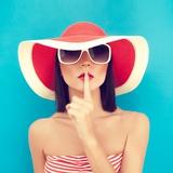 Secret Summer Girl Impressão fotográfica por Evgeniya Porechenskaya