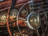 Old Buick Eight Dashboard Metalldrucke von Stephen Arens