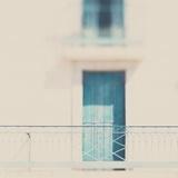 French Building with Balcony and Blue Door Fotografie-Druck von Laura Evans