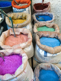Pigments and Spices for Sale, Medina, Tetouan, UNESCO World Heritage Site, Morocco, North Africa, A Metalldrucke von Nico Tondini
