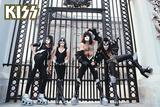 Kiss- At the Gates Láminas