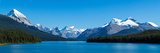 Maligne Lake with Canadian Rockies at Jasper National Park, Alberta, Canada Impressão fotográfica