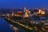 An Aerial View of Wawel Royal Castle and Vistula River Fotografisk tryk af Babak Tafreshi