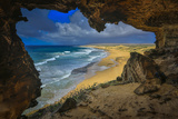 View from Cave Looking over the Beaches of the Mo'Omomi Preserve, of Nature Conservancy Premium fotografisk trykk av Richard Cooke III