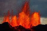 Lava Fountains at the Holuhraun Fissure Eruption Near Bardarbunga Volcano, Iceland Fotografisk tryk
