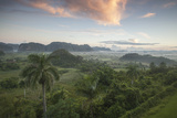 Sunrise over the Farmlands of Vinales Valley, Cuba Stampa fotografica di Alex Saberi