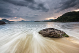 A Storm Gathers over Praia Do Alto Beach in Ubatuba, Brazil Impressão fotográfica por Alex Saberi