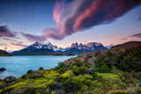 A Patagonia Scenic with the Andes Mountains, a Lake, Green Growth and Clouds Reproduction photographique