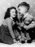 Children with Teddy Bear C. 1950 Fotografia