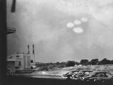 4 Ufo in the Sky, 50's Photo