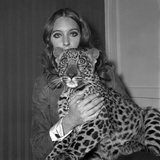 Model Antonia with Her Panther Tatch, 16 November 1967 Foto