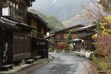Wooden Houses of Old Post Town, Tsumago, Kiso Valley Nakasendo, Central Honshu, Japan, Asia Reproduction photographique par Stuart Black