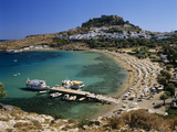 View over Beach and Castle, Lindos, Rhodes Island, Dodecanese Islands, Greek Islands, Greece Reproduction photographique par Stuart Black
