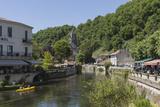 Canoe on River Dronne, Brantome, Dordogne, Aquitaine, France, Europe Reproduction photographique par Jean Brooks