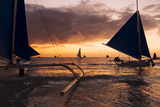 Paraw Boats, White Beach, Boracay, the Visayas, Philippines, Southeast Asia, Asia Fotografisk tryk af Ben Pipe