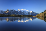Mont Blanc, Top of Europe, Reflected During Sunrise in Lac Es Cheserys Impressão fotográfica por Roberto Moiola