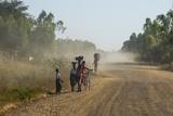 Dusty Road, Mount Mulanje, Malawi, Africa Fotografisk tryk af Michael Runkel
