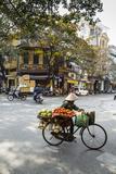 Street Scene in the Old Quarter, Hanoi, Vietnam, Indochina, Southeast Asia, Asia Fotografie-Druck von Yadid Levy