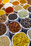 Spice Shop at the Wednesday Flea Market in Anjuna, Goa, India, Asia 写真プリント : ヤディズ・レヴュ