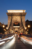Chain Bridge (Szechenji Lanchid) at Twilight Reproduction photographique par Kimberly Walker