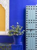 Blue Paintwork, Jardin Majorelle, Owned by Yves St. Laurent, Marrakech, Morocco Reproduction photographique par Stephen Studd