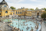 People Soaking and Swimming in the Famous Szechenhu Thermal Bath, Budapest, Hungary Reproduction photographique par Kimberly Walker