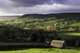 View Down the Valley of Swaledale Taken from Just Outside Reeth Reproduction photographique par John Woodworth
