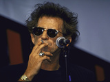 Musician Keith Richards Smoking Cigarette Kunst op metaal
