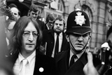 John Lennon and Yoko Ono, 1968 Photographic Print by  Jones