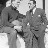 Frank Swift Talking with Bert Trautmann 1956 Fotografisk tryk af Hicklin H