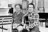 Simon and Garfunkel, 1977 Fotografie-Druck von Alisdair Macdonald
