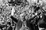 Bill Shankly Liverpool Manager on Liverpool Team Homecoming 1971 Fotografisk trykk av Daily Mirror