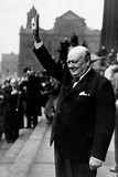 Winston Churchill holding a V for victory sign in Leeds, 1950 Photographic Print by Daily Mirror