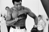 Muhammad Ali the Gym Ahead of His Clash with Smoking Joe Frazier Fotografisk tryk af Monte Fresco