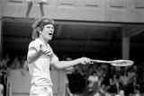 John McEnroe v Tom Gullikson, Wimbledon on Court Number One, 1981 Fotografisk tryk af Monte Fresco Mike Maloney