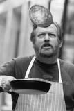 266 Pancake Flips in 2 Minutes, 1990 Reproduction photographique par  Staff
