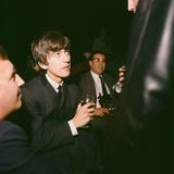 George Harrison in Huddersfield 1963 Fotografie-Druck von John Varley
