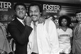 Muhammad Ali Visiting the Bull Ring Shopping Centre in Birmingham 1979 Fotografisk tryk af  Williams