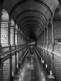 Gallery of the Old Library, Trinity College, Dublin, County Dublin, Eire (Ireland) Reproduction photographique par Bruno Barbier