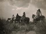 Before the Storm, Apache Kunst på metal af Edward S. Curtis
