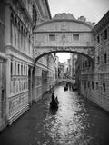 Bridge of Sighs, Doge's Palace, Venice, Italy Fotografisk trykk av Jon Arnold