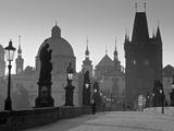 Charles Bridge, Prague, Czech Republic Fotografisk tryk af Walter Bibikow