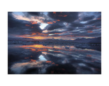 Icelandic Sunset Posters par Maciej Duczynski