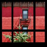 View from the Window - New York Red Facade Fotografisk trykk av Philippe Hugonnard