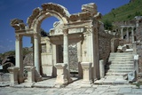 Temple of Hadrian in Ephesus, 2nd Century Fotografisk tryk af CM Dixon