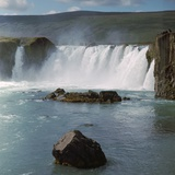 Waterfall in Iceland Reproduction photographique par CM Dixon