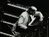 Rick Wakeman Performing at the Forum Theatre, Hatfield, Hertfordshire, 6 October 1987 Reproduction photographique par Denis Williams