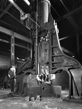Forge in Action at Edgar Allens Steel Foundry, Sheffield, South Yorkshire, 1962 Reproduction photographique par Michael Walters