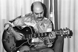 Joe Pass, London, 1976 Reproduction photographique par Brian O'Connor