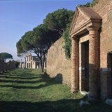 A Street in the Roman Port of Ostia Reproduction photographique par CM Dixon